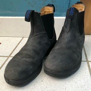 Blundstone dark grey boots